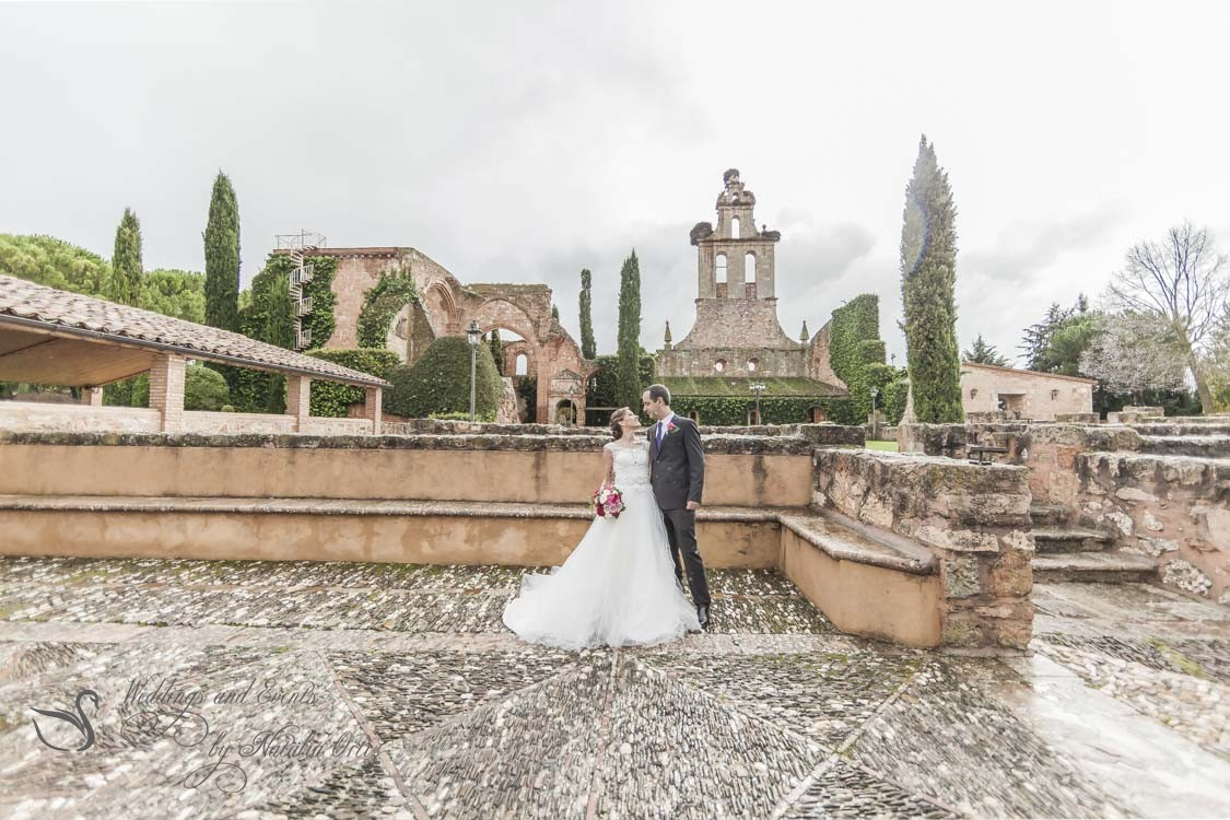 It is 7 reasons why it is worth holding a wedding abroad.