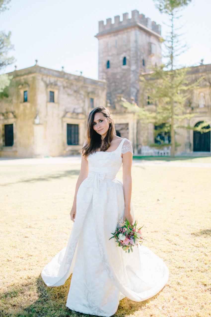 Dream dresses to celebrate a wedding in a castle