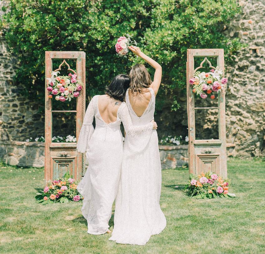 The outdoor female wedding in Girona