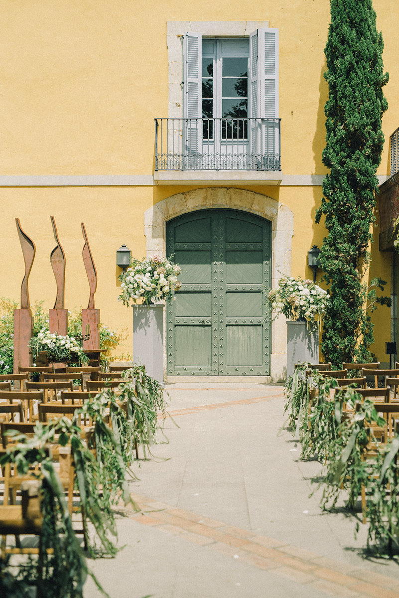 A wedding with olive trees in Catalonia