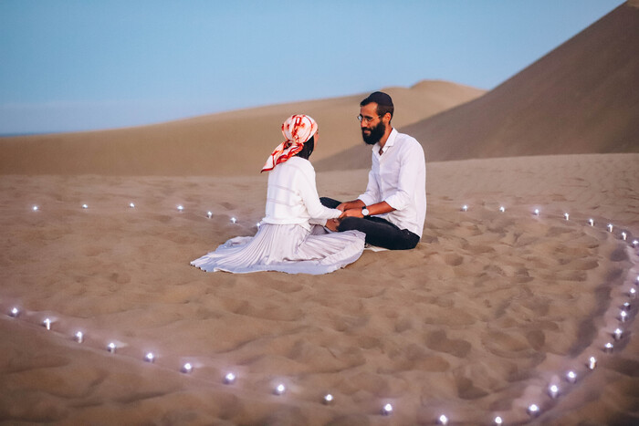 A proposal under the magical sunset of the Maspalomas Dunes